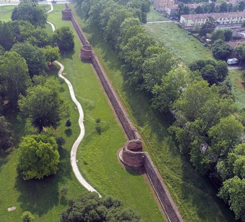 The 'Rossettian Walls'