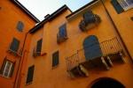 Ghetto di Cento. Particolare del balconcino in ferro battuto della sinagoga. Fotografia diFederica Pezzoli, 2015. © Museo Ferrara