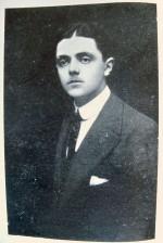 Immagine del giovane Renzo Ravenna ai tempi dell'interventismo nella prima guerra mondiale. Fotografia tratta da Rivista di Ferrara, n. 5, anno III, maggio 1935.