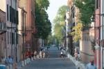 Corso Ercole I d'Este con biciclette. Fotografia Massimo Baraldi. © Archivio Fotografico della Provincia di Ferrara