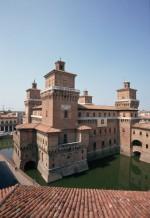 Castello Estense, fotografia di Andrea Samaritani, © Archivio Fotografio della Provincia di Ferrara