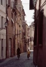 Via Vittoria. Fotografia Baraldi. © IAT Ferrara - Ferrara Terra e Acqua