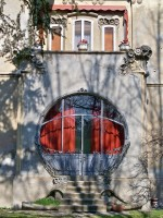 Villa Melchiori (1904), particolare dell'entrata in stile Liberty di gusto franco-belga. Fotografia di Federica Pezzoli, 2015. © MuseoFerrara