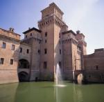 Castello estense. Fotografia di Massimo Baraldi, © Archivio Fotografico della Provincia di Ferrara