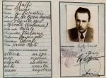 Il falso documento d'identità dello scrittore Giorgio Bassani e della moglie, Valeria Bassani Sinigaglia, realizzato a Firenze nell'ottobre del 1943 (foto per gentile concessione della Fondazione Giorgio Bassani)