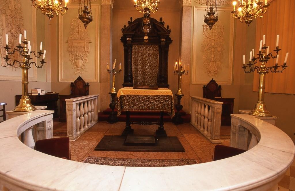 Arredi delle sinagoghe di via mazzini museoferrara for Arredamento tedesco